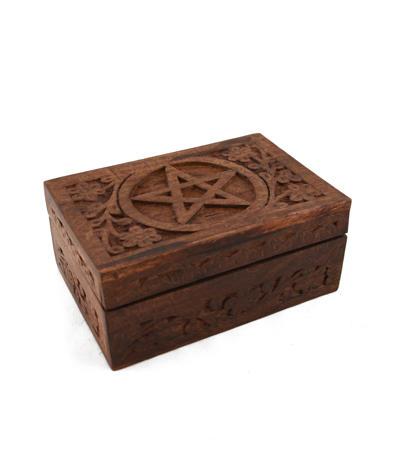 Drevená truhlička s pentagramom